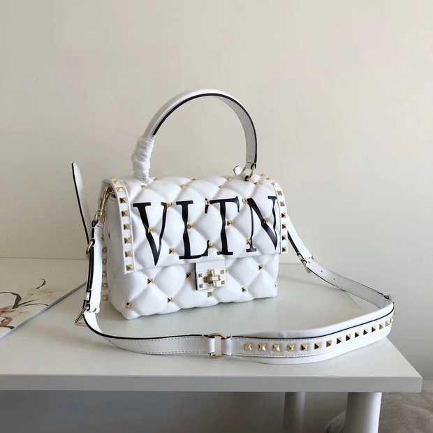 Valentino garavani quilted leather shoulder bagwhite