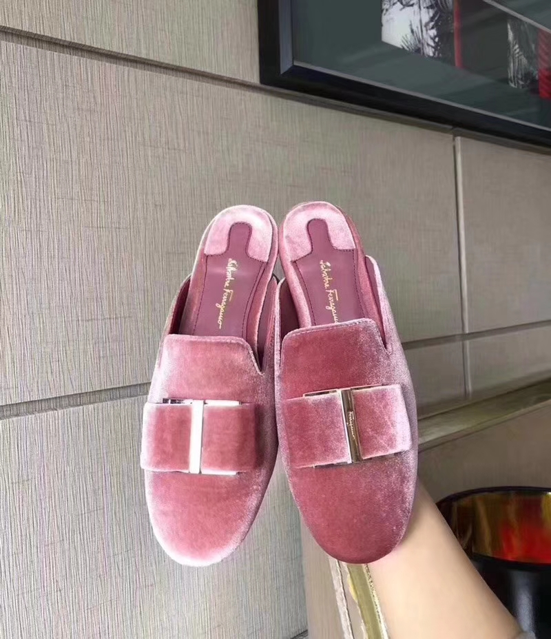 Salvatore Ferragamo velvet slippers 2018