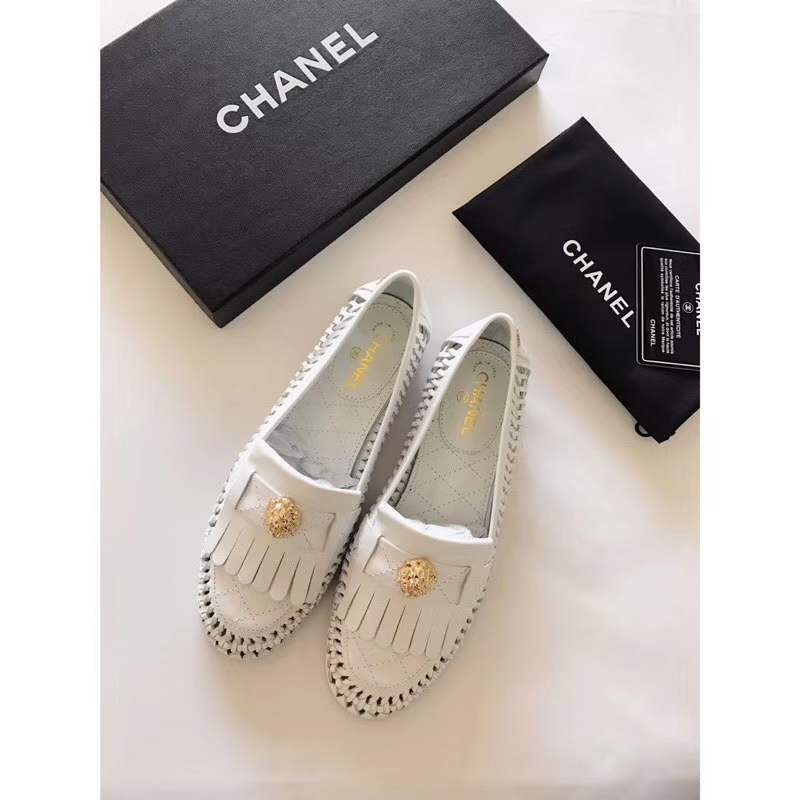 Chanel calfskin leather slip-on loafers2018